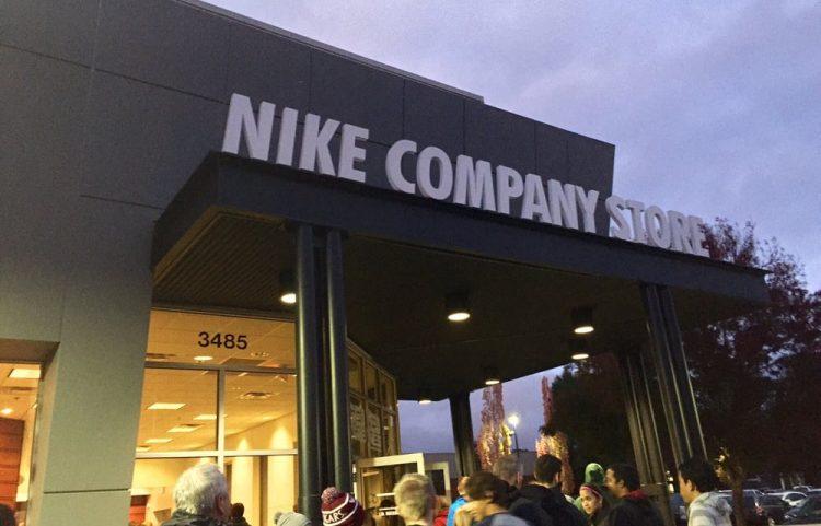 Nike và lời giải cho bài toán tăng trưởng bằng mô hình D2C
